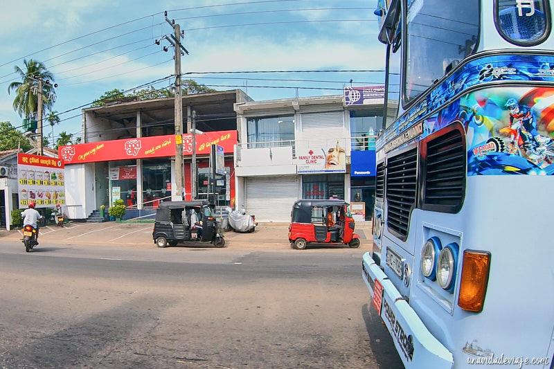Como alquilar tuktuk en Sri Lanka