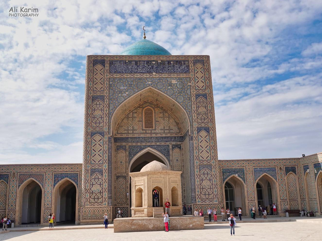 Bukhara, Oct 2019, The mosque was at the far end from the entrance, across a large courtyard