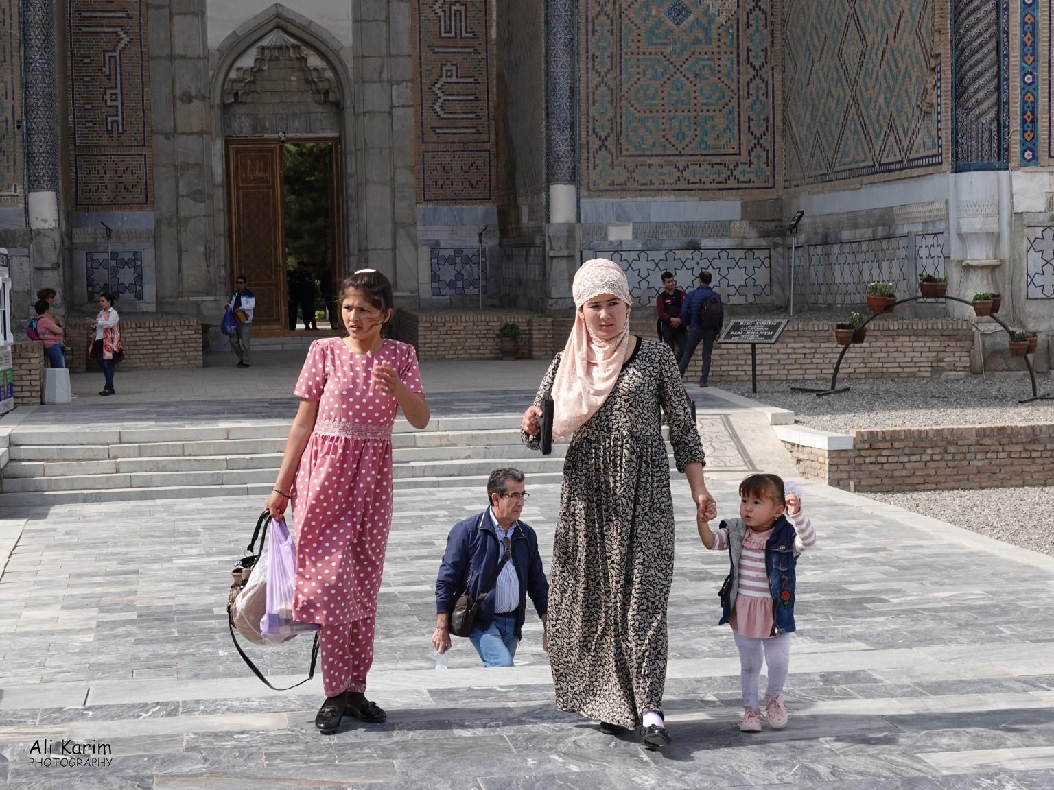 More Samarkand, Families visiting the huge Bibi Khanym mosque complex that was still in the process of restoration