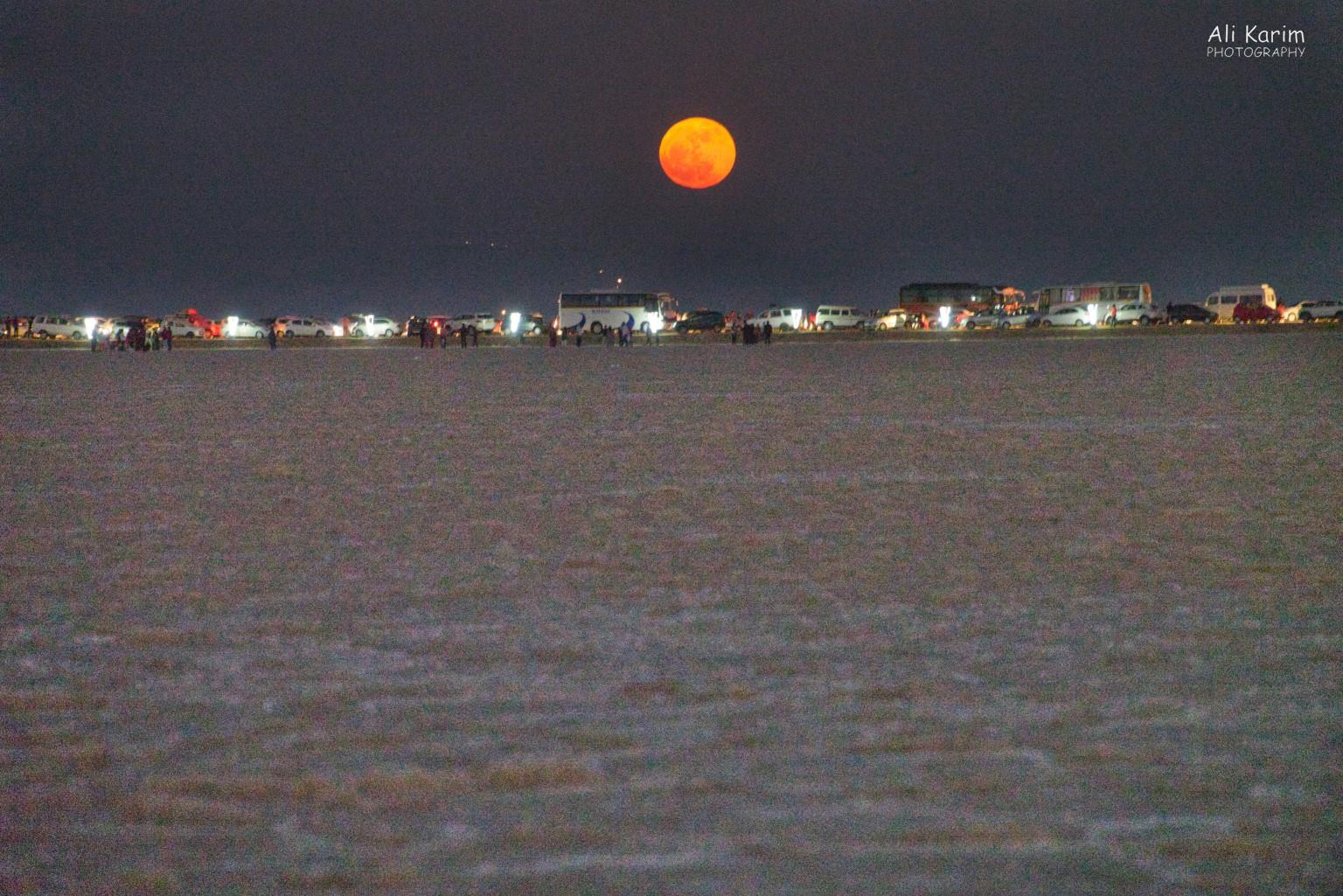 Bhuj, Kutch, Gujarat followed by an equally beautiful moonrise over the Raan, shortly after the sunset. Timing was perfect. Note all the busy tourist transportation
