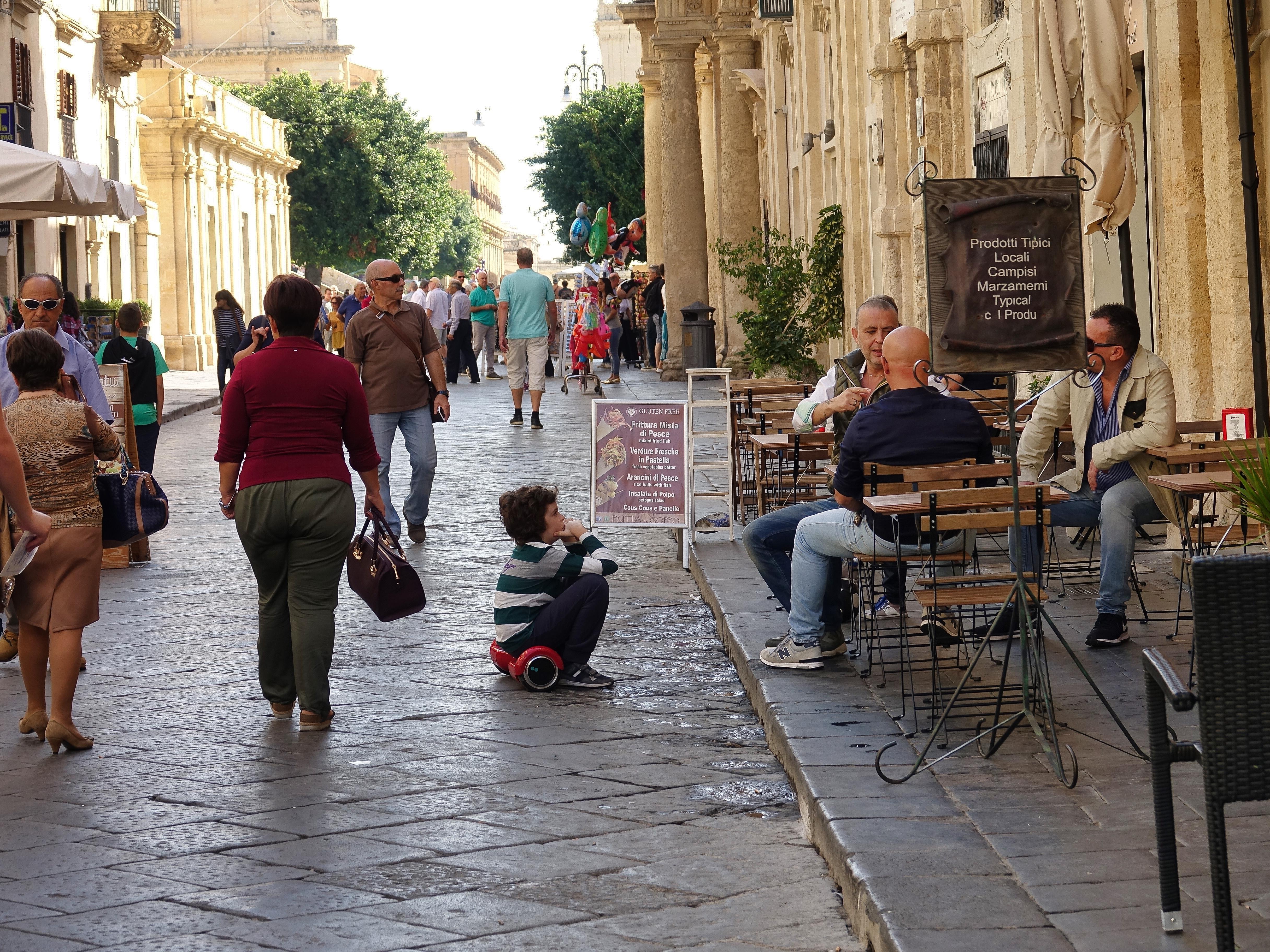 Street scene in Noto