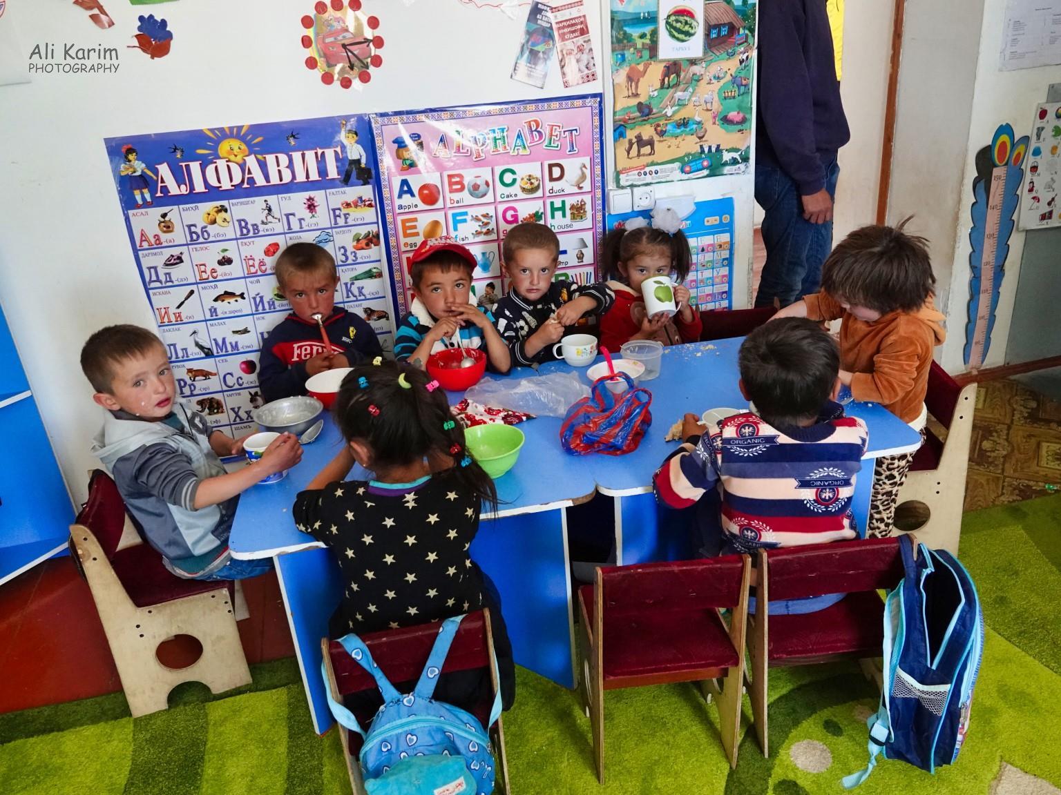 Langar, Tajikistan, Grade 1 class