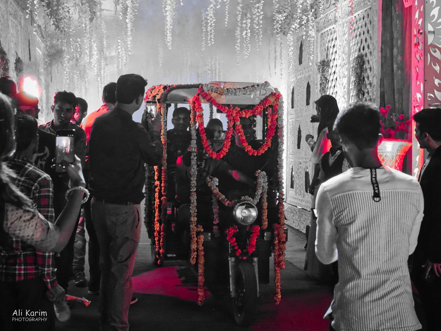Bikaner, Rajasthan Bride & Groom arriving in a decorated rickshaw