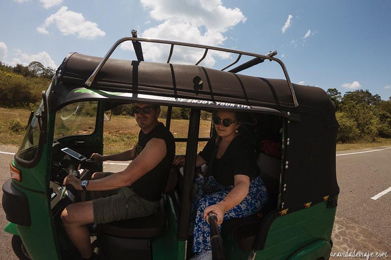 donde alquilar tuk tuk en Sri Lanka
