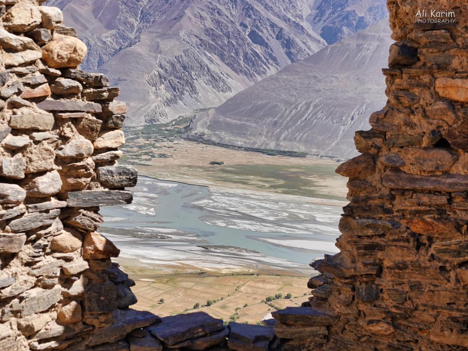 Langar, Bulunkul Tajikistan, Commanding views of the Panj, Wakhan valley and Afghanistan, from Yamchun Fortress