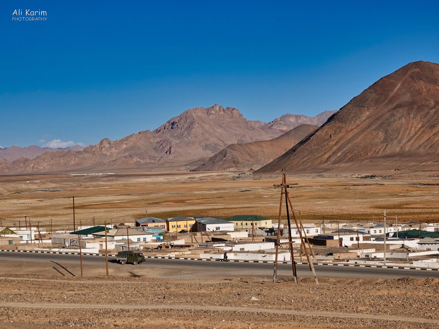 More Murghab & Alichur, Tajikistan, Dusty town of Murghab on a flat plain in the Pamir mountains