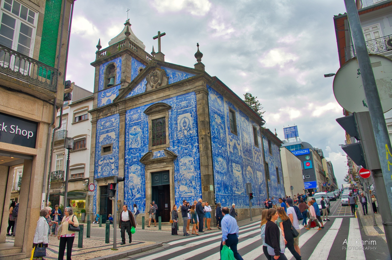 Porto Fully tiled church